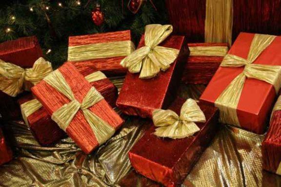 Telefony do 300 złotych – sprawdzamy, jakiesmartfonyw korzystnej cenie mogą być świetnym prezentem świątecznym